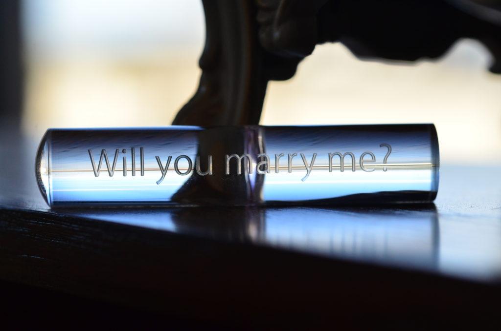 プロポーズに贈りたい「Will you marry me?」